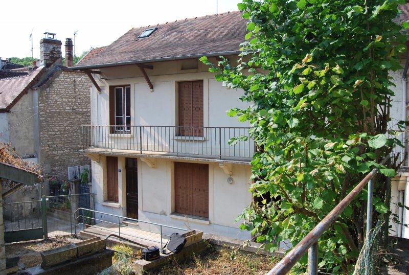 Vente maison ancienne avec jardin en plein centre ville for Garage ad argenteuil